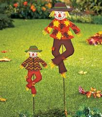 Decorative Metal Yard Signs From wreaths to lawn signs and more these are the fallinspired 21