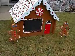 Christmas Gingerbread House with Gingerbread People