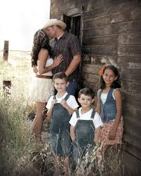 family pictures at a barn   SO here we go...let me show