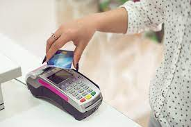 Having a decent credit rating is crucial if you want to take advantage of the best credit cards and loans on the market. What Are The Advantages Of Having A Credit Card Us News