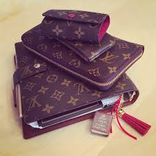 louis vuitton bags outlet. louis vuitton agenda gm, zippy organizer wallet, cles, and holder bags outlet m