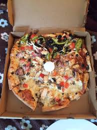 photo of round table pizza san francisco ca united states terrible pizza
