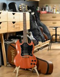 <b>Электрогитара Gibson SG Tribute</b> Vintage Cherry Satin, с чехлом