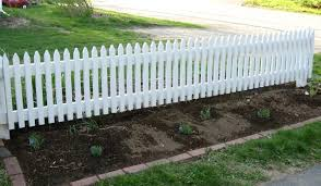 Garden Fence Designs From Simple Elegant To Luxury Variants Short Fence  Ideas