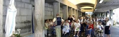 Resultado de imagen de Enfermos en Lourdes