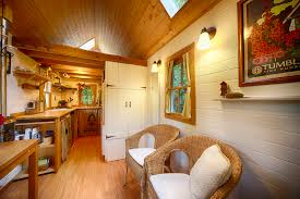 tiny house tours. Many People Over The Past Year Have Asked If They Could See Bayside Bungalow And Check Out Tiny Little House That I Now Rent As A Vacation Tours N