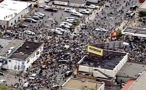 Police department vandalized as massive riots break out in Minneapolis