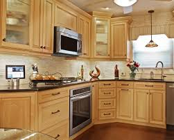 Maple kitchen cabinets contemporary Marquis Cinnamon Contemporary Traditional Kitchen Design Kitchen Design Blog Kitchen Magic Not Your Mommas Maple Maple Kitchens For Modern Times