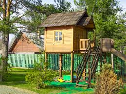 amazing simple playhouse plans