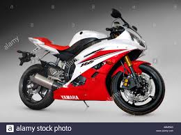 middleweight supersport bike yamaha yzf r6 2006 red white racing
