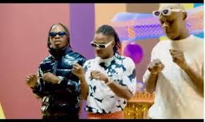 Nuela techs tarafından geliştirilen naija music & videos download android uygulaması müzik ve ses kategorisi altında listelenmiştir. Mohbad Ft Naira Marley Lil Ke Ponmo Sweet Video Download Mp4