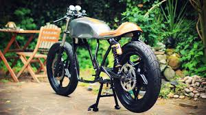 cafe racer build part 7 powder coated frame and build 78 suzuki gs550 you