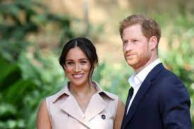 Harry e meghan, la prima foto del nuovo telefilm escaping the palace. Significance Of Prince Harry Meghan Markle Paying Back Frogmore Cottage
