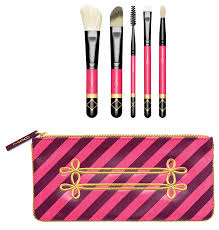 316 lip brush mac cosmetics nuter sweet holiday 2016 brush set
