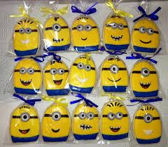Creative Idea:Cute Yellow Minion Party Candies In Clear Plastic Cute Yellow  Minion Party Candies