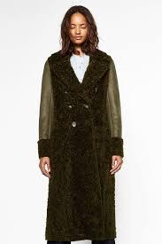 New Designer Coats 19 Statement Coats Made For Instagram In 2019 Coat Zara