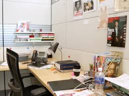Decorate your office cubicle Cute Work Office Makeover Chatelaine How To Transform Your Boring Office Cubicle Into Cozy Haven For