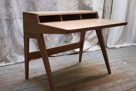 Best home office desks Modern The Laura Desk Home Office Dynamics 25 Best Desks For The Home Office Man Of Many