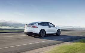 Elektrofahrzeuge, Solaranlagen und saubere Energie
