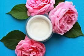 <b>Увлажняющий крем для жирной</b> кожи лица: обзор 8 хороших ...