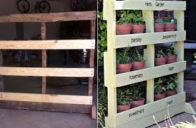 Tavoli Da Giardino In Pallet : Giardino verticale bancali orto sul balcone le idee più originali
