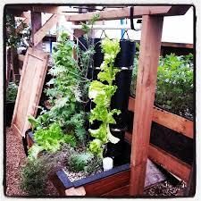 make vertical vegetable garden