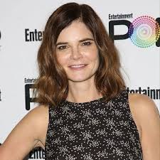Betsy Brandt Bio, Affair, Married, Husband, Net Worth, Ethnicity, Salary,  Age, Nationality, Height