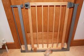 lindam easy fit metal and wooden stair gate