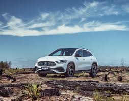 Gla 250 and gla 250 4matic standard features include: Images Mercedes Benz 2020 Gla 250 4matic Amg Line White Auto