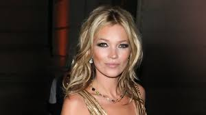 charlotte tilbury s makeup mastercl how to get the kate moss look net a porter you