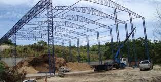 As edificaes em estrutura metlica so consideradas leves em relao a um edifcio similar construdo em concreto armado. Estrutura Metalica Galpao Preco Jaguari Estruturas Metalicas