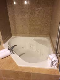 holiday inn houston east channelview jacuzzi tub