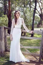 stunning long sleeve wedding dresses for fall wedding