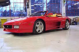 Verder kreeg de 348 in 1993 enkele subtiele wijzigingen waaronder meer vermogen. 1993 1995 Ferrari 348 Spider Top Speed