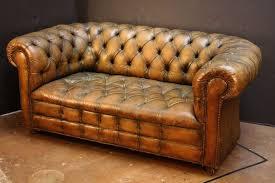 English Chesterfield Sofa 2