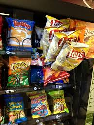 How To Get Food Out Of A Vending Machine Amazing Frustrated Customers Share The Funniest Vending Machine Fails Of All