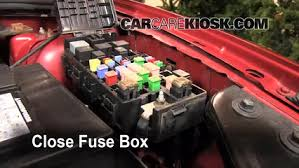 replace a fuse 2005 2007 ford style 2005 ford style se 6 replace cover secure the cover and test component