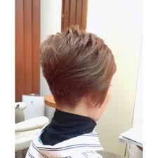 襟足スッキリ前下がりのベリーショート Arteismアルティズムのヘア
