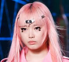 louis vuitton top runway looks latest makeup trends