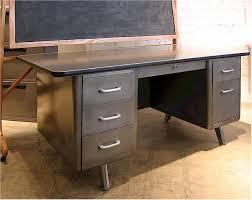 Something similar to this: http://www.jeremyandkimberly.com/misc/desk1.jpg