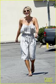 """Kaley Cuoco Debuts A Wild New Hair Color   moviepilot likewise 139 best Kaley Cuoco Pixie images on Pinterest   Hairstyles  Kaley in addition Kaley Cuoco Inspired NEW Haircut   YouTube besides kaley cuoco sweeting new haircut   Kaley Cuoco Gets New Bob together with 139 best Kaley Cuoco Pixie images on Pinterest   Hairstyles  Kaley besides Kaley Cuoco's New Haircut – Love  Niki additionally Big Bang Theory' Star Kaley Cuoco Sweeting  'Do I Look Like Justin together with Kaley Cuoco Sweeting Debuts New """"Pretty in Pink"""" Hairstyle further  together with Kaley Cuoco Sweeting  My Husband 'Loved' My Pink Hair furthermore Kaley Cuoco's new summer hairstyle is a total blast from the past. on picture of kaley cuoco new haircut"""