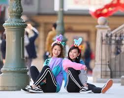 女友達と楽しむユニバ参考にしたい季節別双子コーデをご紹介