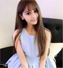 Maybe you're just get past that transition period between cuts, or you are dying to get lengthy long locks without the use of extensions. Korean Haircut Female Cute Korean Straight Hairstyles For Girls Hair Pinterest Hairstyles L Straight Hairstyles Korean Hairstyle Korean Straight Hairstyles