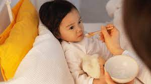 Nên cho trẻ ăn gì khi bị sốt? - Cha Mẹ Ngày Nay