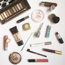 i ve had a few readers reach out since my new year new ger post to ask me to share my everyday makeup routine so i m sharing it with you all today