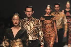 Batik Fashion Designers Modernising The Living Heritage Of Indonesian Batik Unreserved