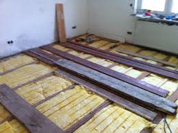 Wenn erforderlich, kann die rohdecke mit einer schüttung oder ausgleichsmasse begradigt werden. Massivholzdielen Im Altbau Verlegen Bauanleitung Zum Selberbauen 1 2 Do Com Deine Heimwerker Community