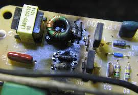 good idea done badly bad bug zapper third quarter 2012 page 5 burned components charred wires and capacitors