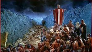 Bildergebnis für pharaoh troops persecuting israel at the red sea