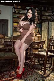 470 best Curvy Girls B images on Pinterest